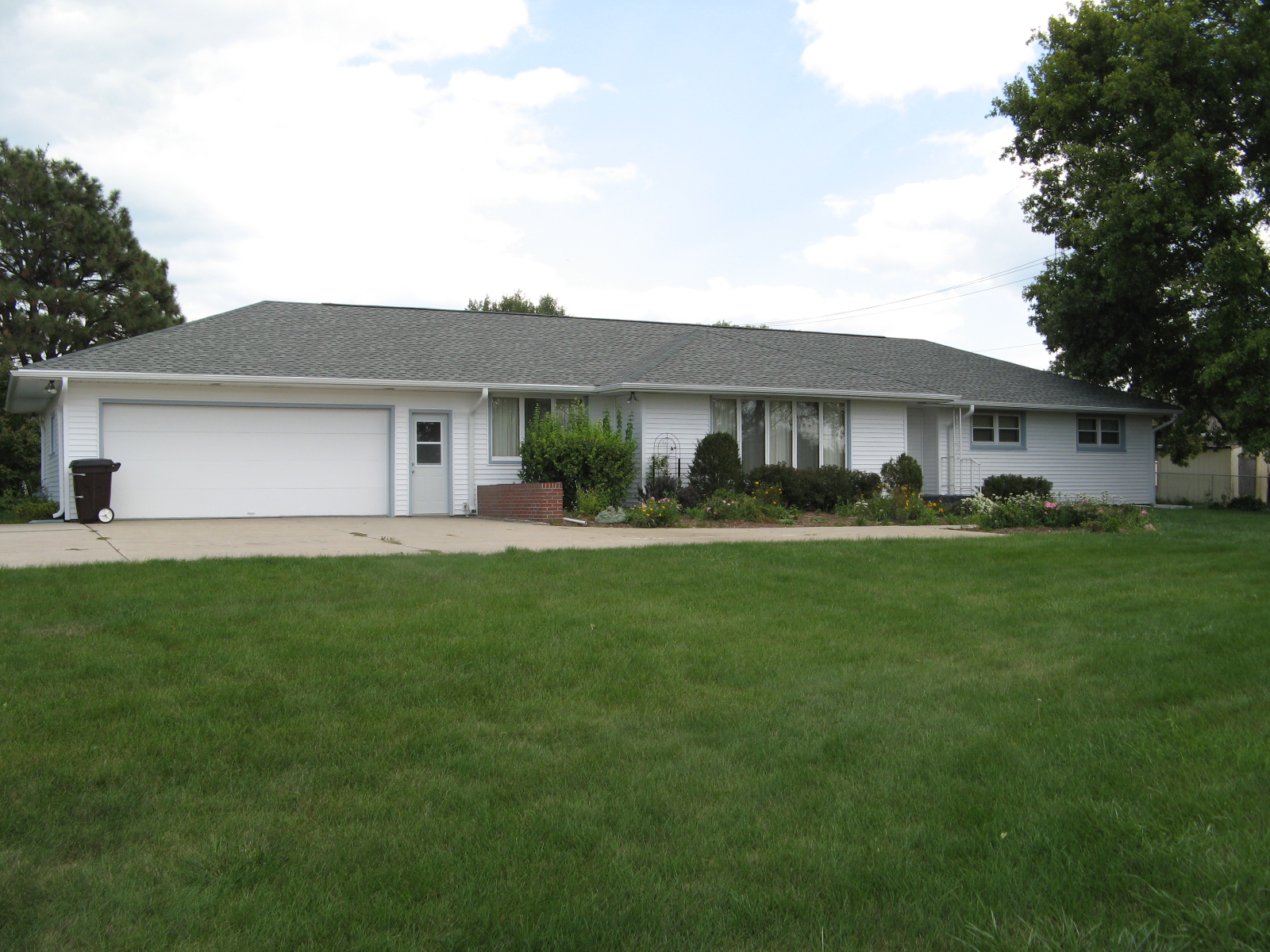 PRICE REDUCED – 551 E 13th Street:  Great 3 bedroom Ranch on Large Lot