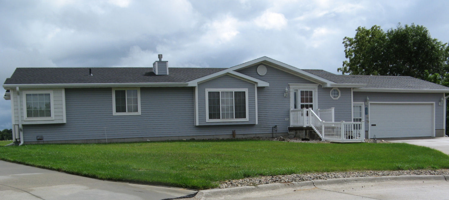 PENDING!!!!  430 E Neligh St- Attractive ranch on a quiet circle